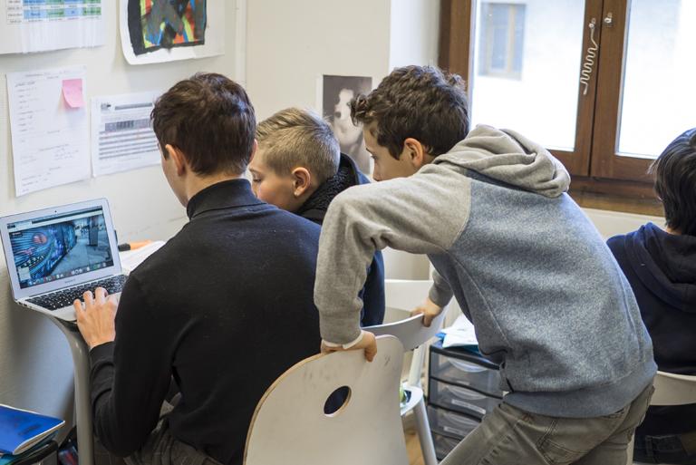 MeeO a ouvert à la rentrée 2017 une structure expérimentale d'accueil pour les jeunes collégiens de 11 à 15 ans.