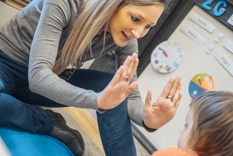 La classe HORIZON (TSA) est spécifique à l'accompagnement de 9 élèves de 6 à 12 ans, porteurs d'autisme dit « typique ».